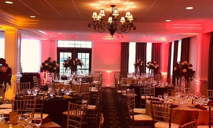DCViBEZ Reception lighting. #dcvibez #djjatin #leduplighting #dcvreception #dcvibezdjs #burgundygold @ Dominion Valley Country Club